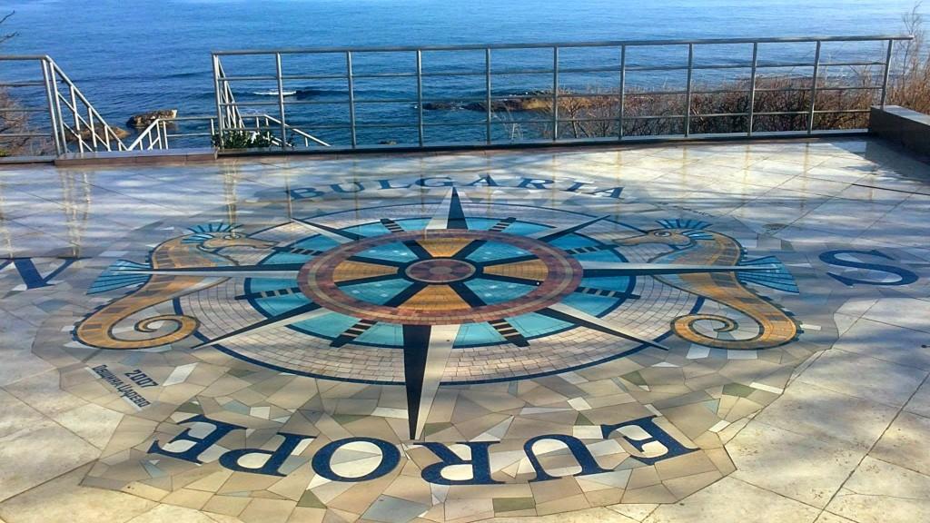 Царево-компас